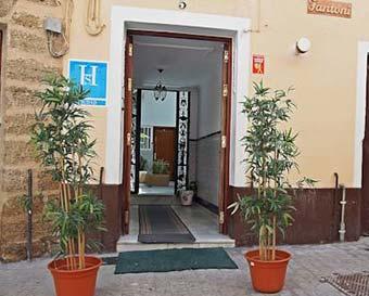 Hostales y pensiones en Lugros